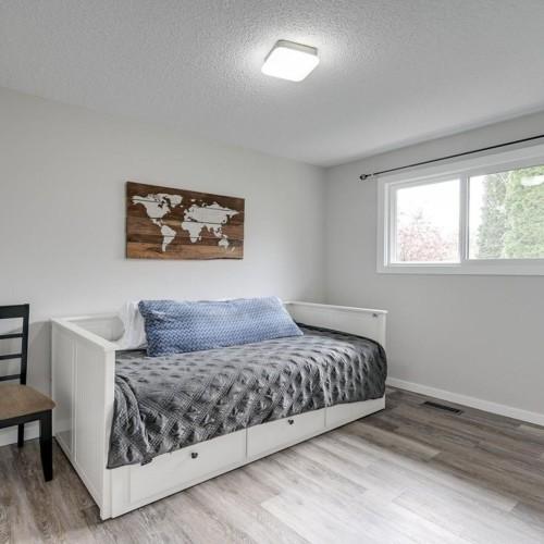 8715-94-avenue-pineview-fort-sask-fort-saskatchewan-16 at 8715 94 Avenue, Fort Saskatchewan